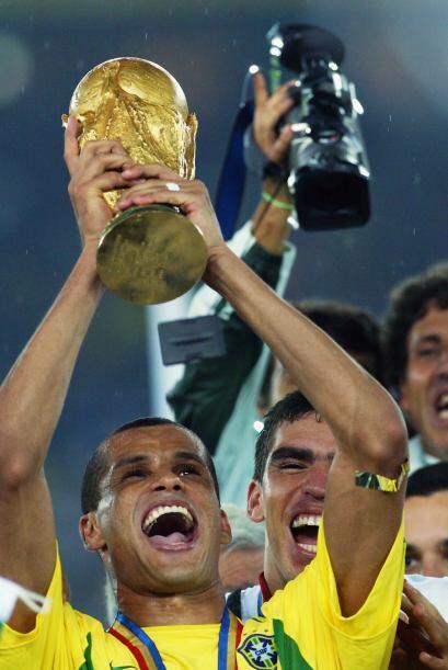 Con 5 goles, Rivaldo se colocó como el segundo mejor anotador de...