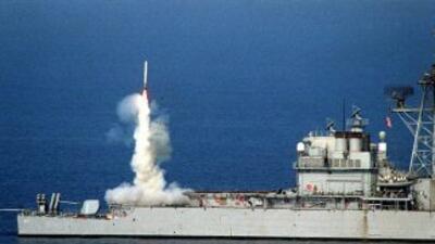 Fuerzas de Estados Unidos y Gran Bretaña lanzaron al menos 110 misiles d...