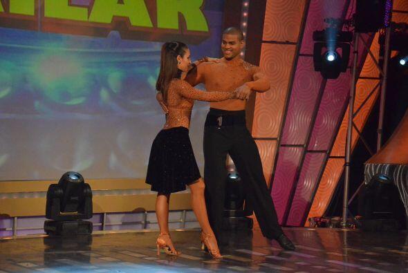 Con impresionantes coreografías comenzaron a aparecer una a una l...