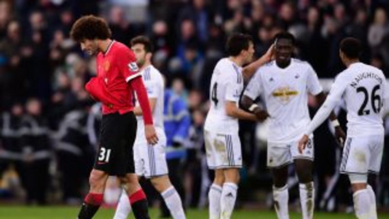 Gomis celebra el segundo del Swansea y Fellani se lamenta.