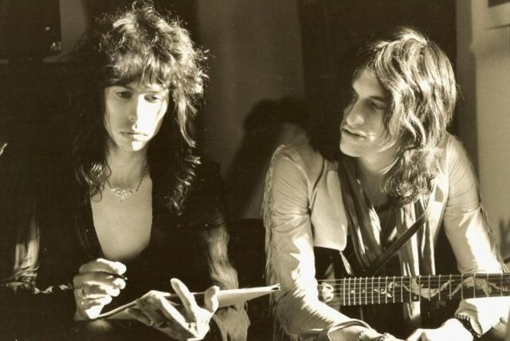 La banda Aerosmith sacó del baúl de los recuerdos una foto de Steven Tyl...