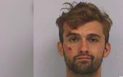 Un oficial de Austin enfrenta una demanda por presunto uso de fuerza exc...