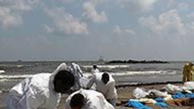Derrame de crudo en el Golfo sería el mayor en historia de EU; Obama vis...