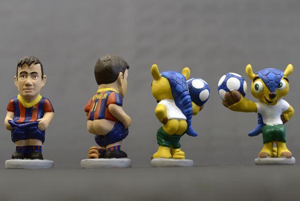 Neymar y 'Fuleco' mascota del Mundial Brasil 2014.