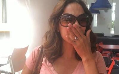 A horas de la boda de Ana Patricia y Luis, Karla está muy sentimental y...