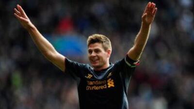 Con un penalti, Gerrard concretó la remontada del Liverpool.