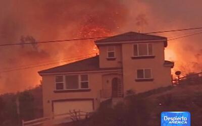 Cuatro incendios siguen azotando al sur de California