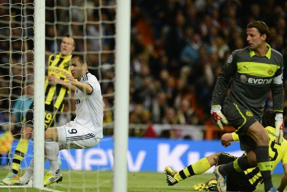 El francés Benzema aparecía en el momento adecuado para cerrar una jugad...