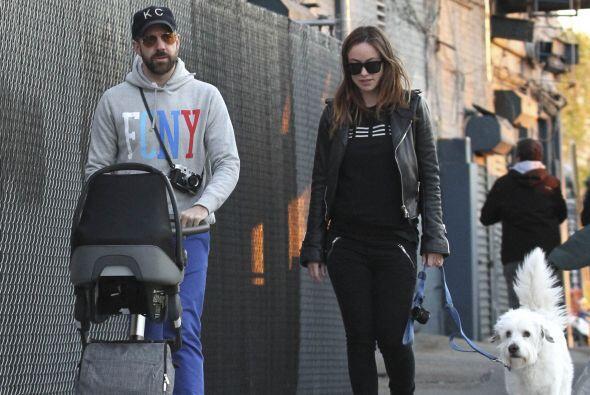 Jason Sudeikis es un padre muy atento con su casi recién nacido Otis, el...
