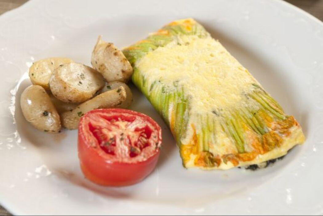 Otra preparación del chef Edgar Kano fue el omelette con flor de calabaza.