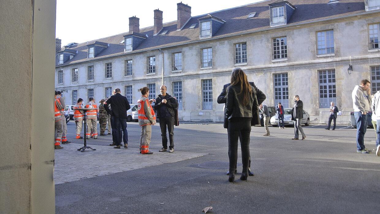La Escuela Militar de París, convertida en Centro de Atención de Víctimas.