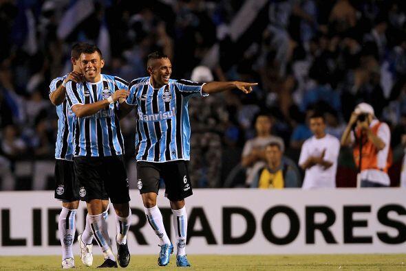Gremio de Porto Alegre arrancó muy alegre la Libertadores luego de vence...