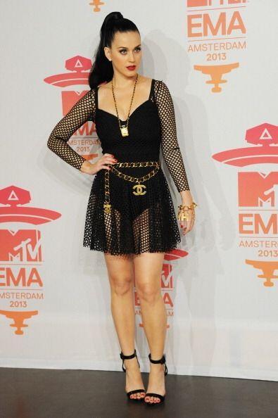 Las transparencias y escotes arriesgados de Katy Perry poco a poco se ha...