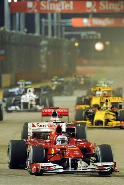 Alonso se mantuvo en control durante y después de las dos entrada...