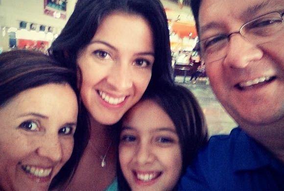"""""""#selfie en #familia! Llena de mucho amor y energia positiva! Los quiero..."""
