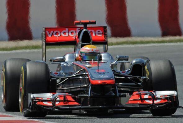 El inglés Lewis Hamilton se mantuvo entre los cinco primeros pues...