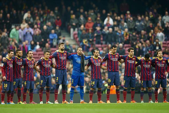 Antes del inicio de partido se guardo un minuto de silencio en honor de...