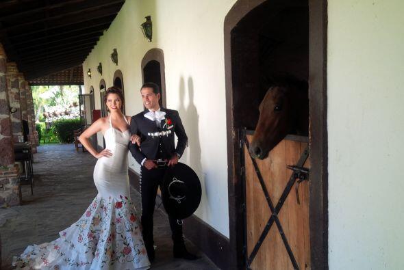 ¿Qué les parece esta imagen de la pareja cerca de los esta...