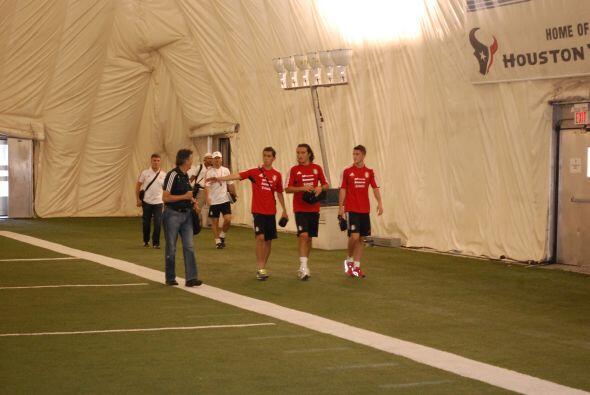 Sin embargo, al final de la práctica tres jugadores comparecieron ante l...
