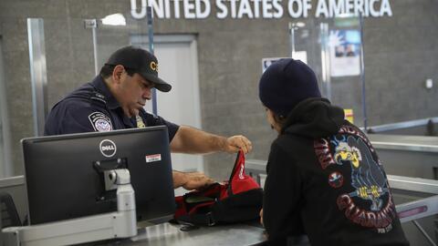 ¿Agentes de inmigración podría negarle el ingreso a residentes permanent...