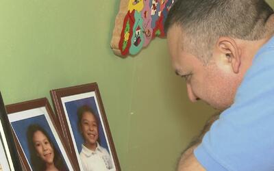 Padres que pueden enfrentar una deportación temen lo que pueda pasar con...