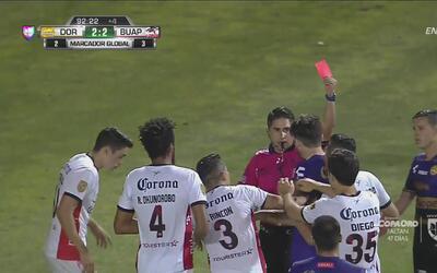 Oliver Ortiz perdió la cabeza y dejó en inferioridad a su equipo