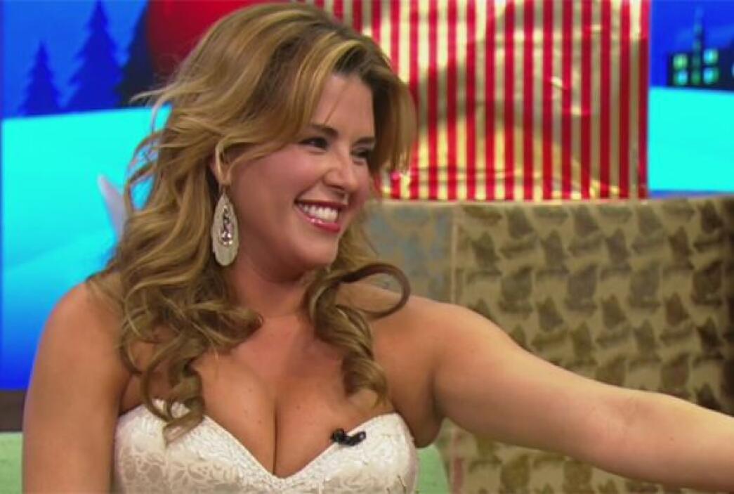 Alicia Machado estuvo de invitada este martes para deleitarnos con su mú...