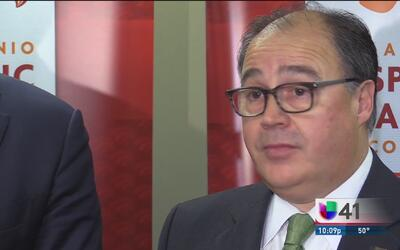 Comerciantes hispanos de San Antonio exponen sus preocupaciones en torno...