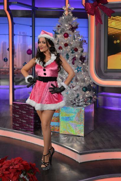 """Vestida como la señora Claus, la """"Sexcurity"""" dej&oacute..."""
