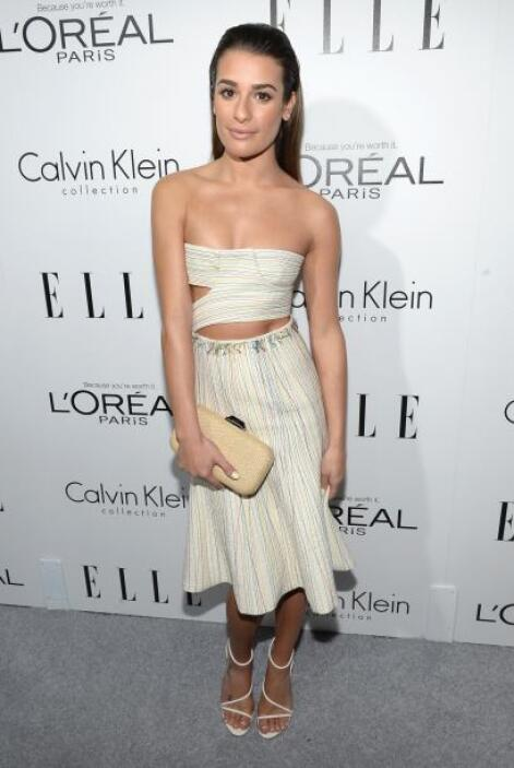 Lea Michele llegó con un sexy vestido ajustado de Calvin Klein en el que...