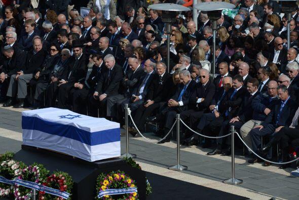 Sharon fue homenajeado por las principales autoridades de su país...
