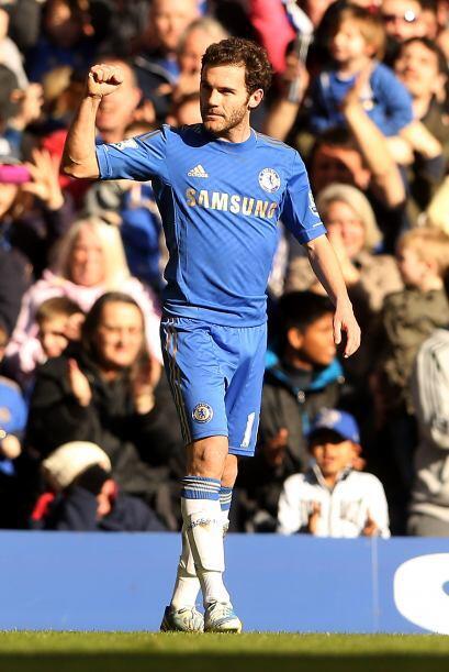 El español Juan Mata inició el camino de los 'Blues' a la siguiente fase...