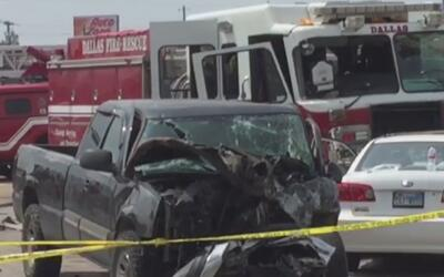Dos bomberos y un conductor resultan heridos luego de un accidente de tr...