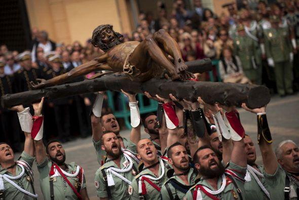 En realidad son los miembros de la Legión Española durante la procesión...