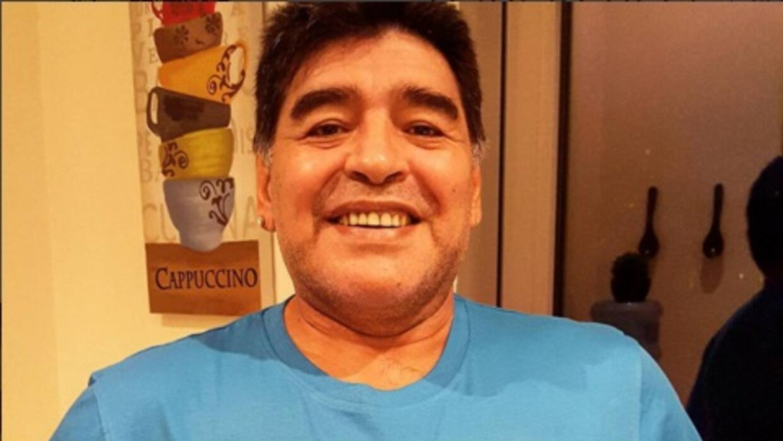 Maradona le mando un mensaje a Blatter y Platini