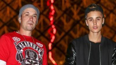 El señor Jeremy Bieber arrojó por un balcón al perro que Justin le compr...