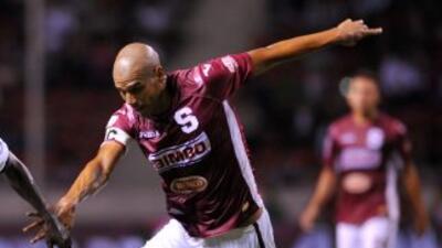 Con una goleada por 5-1 al Limón, Saprissa recuperó el liderato del Torn...