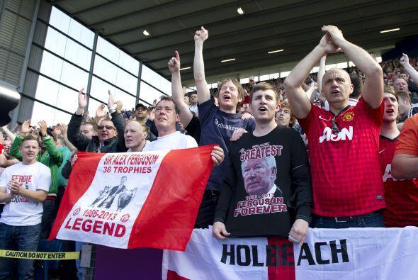 Fanáticos del West Brom y del United eran parte de la despedida de una l...
