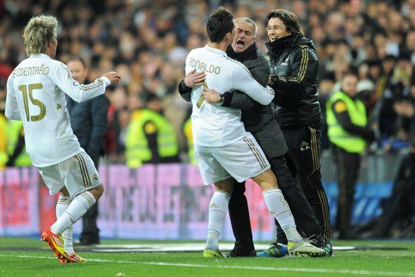 Ronaldo corrió a abrazarse con Mourinho, el hombre que le ha arro...
