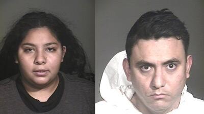 Acusados de abuso de niña tres años en Arizona se declaran inocentes sos...