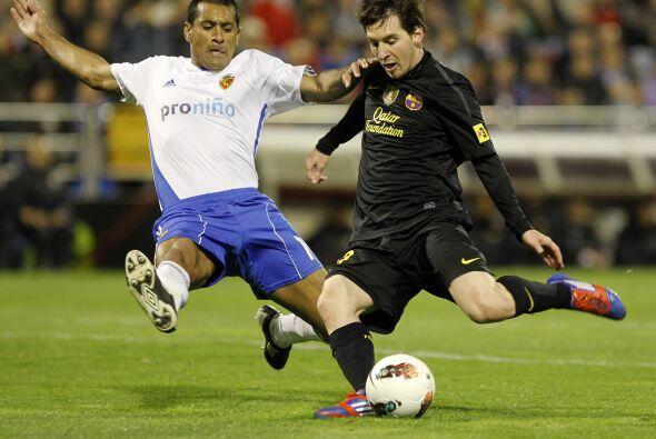 En la otra su remate fue tapado por el defensor paraguayo Alcaráz.
