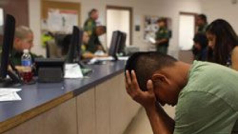 La agencia de Maryann Walker proporciona ayuda legal a los inmigrantes e...