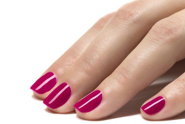Mantenlas cortas. Lo ideal es que las uñas lleguen hasta el final...