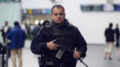 Elementos Federales en el Aeropuerto Internacional de Ciudad de México.