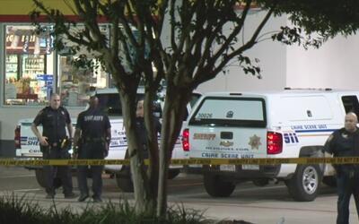Un hombre fue hallado muerto en una estación de gasolina al noreste de H...