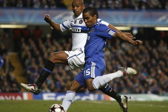 El equipo londinense insistía una y otra vez pero el gol a su favor no l...