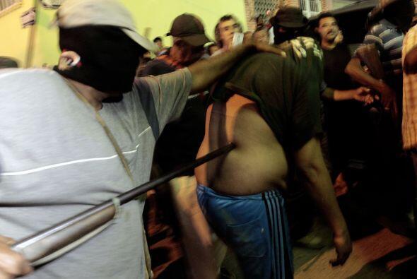 Nuevos grupos de autodefensa se levantaron en armas en los municipios de...