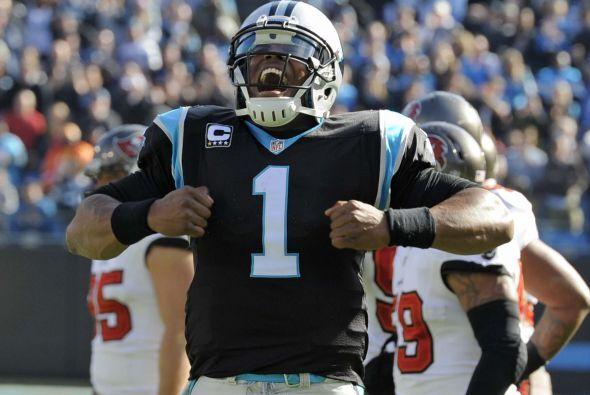 N° 23 El jersey de Cam Newton, QB de los Carolina Panthers (AP-NFL).