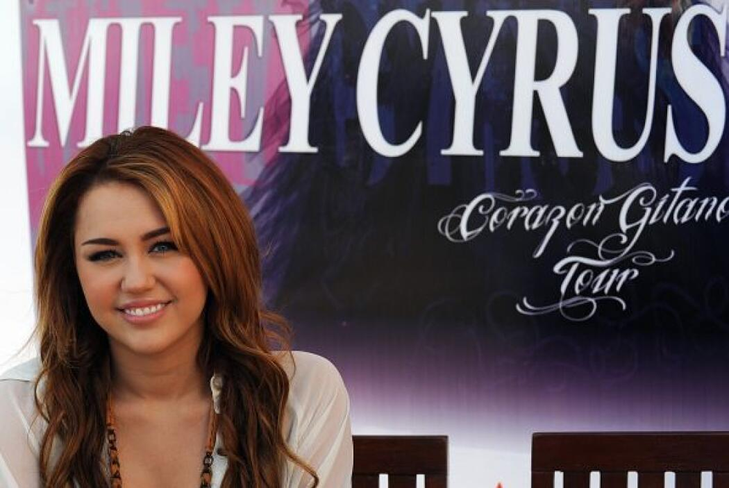 16. MILEY CYRUS- A pesar de no haber entrado en el ranking de las 100 Ce...