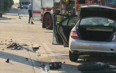 Tres heridos dejó accidente entre dos vehículos en Hollywood, Florida
